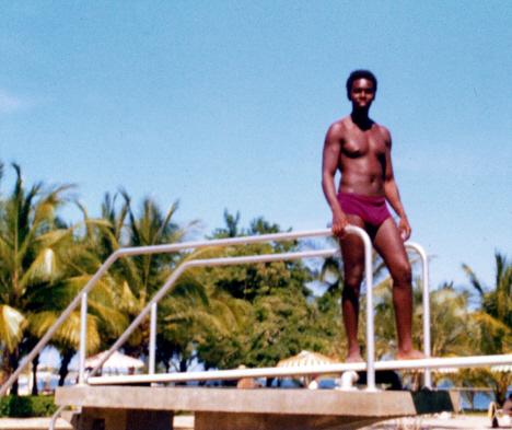 Ed på språngbrädan till hotellets simbassäng, Porlamar (1972)